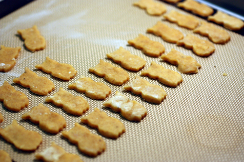 Filling in the rows of owl crackers